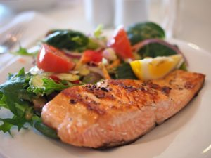 Healthy salmon meal with vegetables